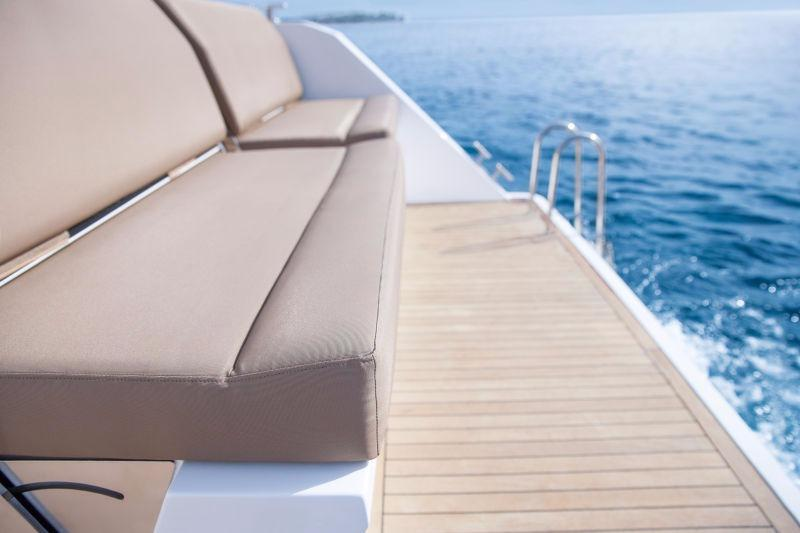 Manufacturer Provided Image: Sealine F380 Seating