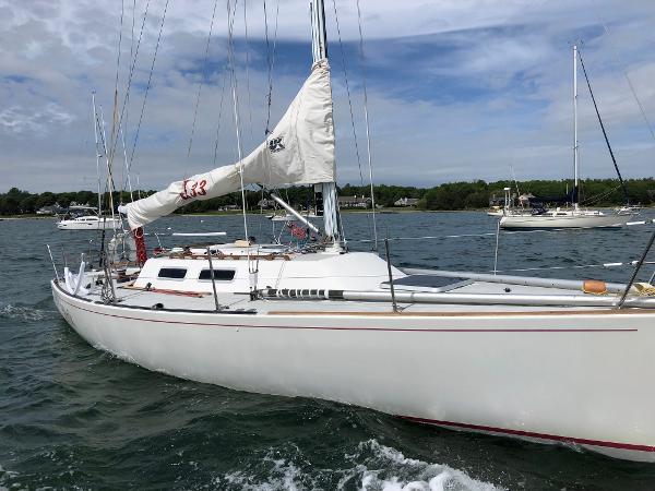 J Boats J/33 Buy New England