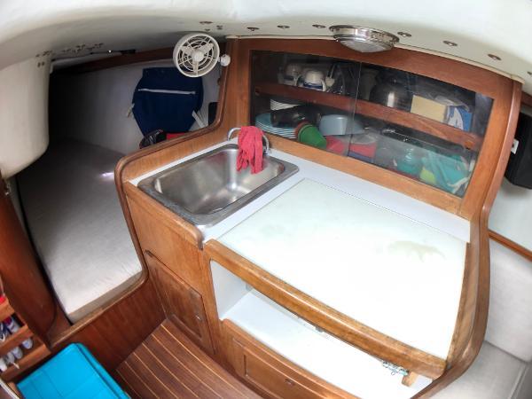 J Boats J/33 Broker Broker