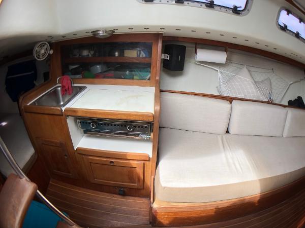 J Boats J/33 Broker Sell