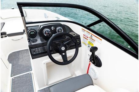 2020 Bayliner boat for sale, model of the boat is VR4 BOWRIDER & Image # 9 of 33