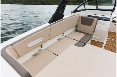 2020 Bayliner boat for sale, model of the boat is VR4 BOWRIDER & Image # 25 of 33