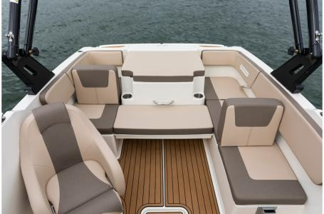 2020 Bayliner boat for sale, model of the boat is VR4 BOWRIDER & Image # 27 of 33