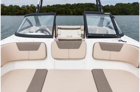 2020 Bayliner boat for sale, model of the boat is VR4 BOWRIDER & Image # 11 of 33