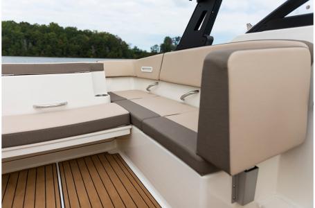 2020 Bayliner boat for sale, model of the boat is VR4 BOWRIDER & Image # 14 of 33