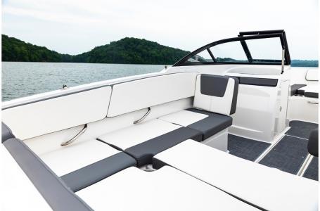 2020 Bayliner boat for sale, model of the boat is VR4 BOWRIDER & Image # 16 of 33