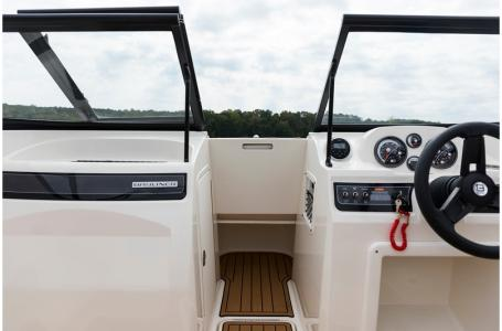2020 Bayliner boat for sale, model of the boat is VR4 BOWRIDER & Image # 32 of 33