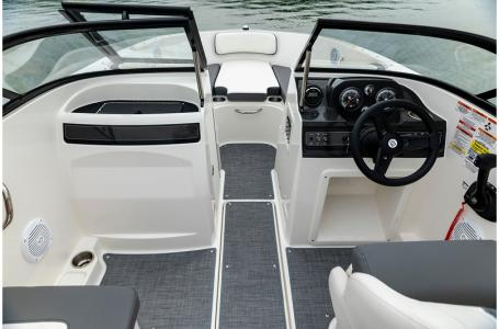 2020 Bayliner boat for sale, model of the boat is VR4 BOWRIDER & Image # 6 of 33