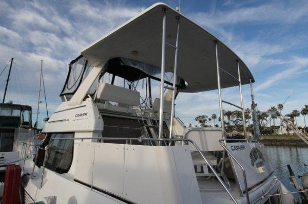 Carver 326 Motor Yacht