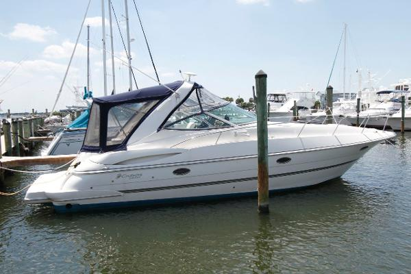 34' Cruisers Yachts 2005 340 Express w/Bow Thruster