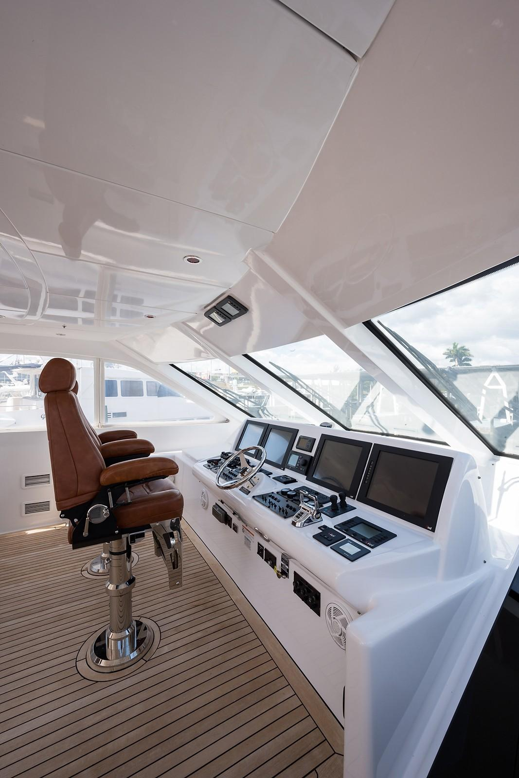72 ft Hatteras 72 Motor Yacht Helm to Port