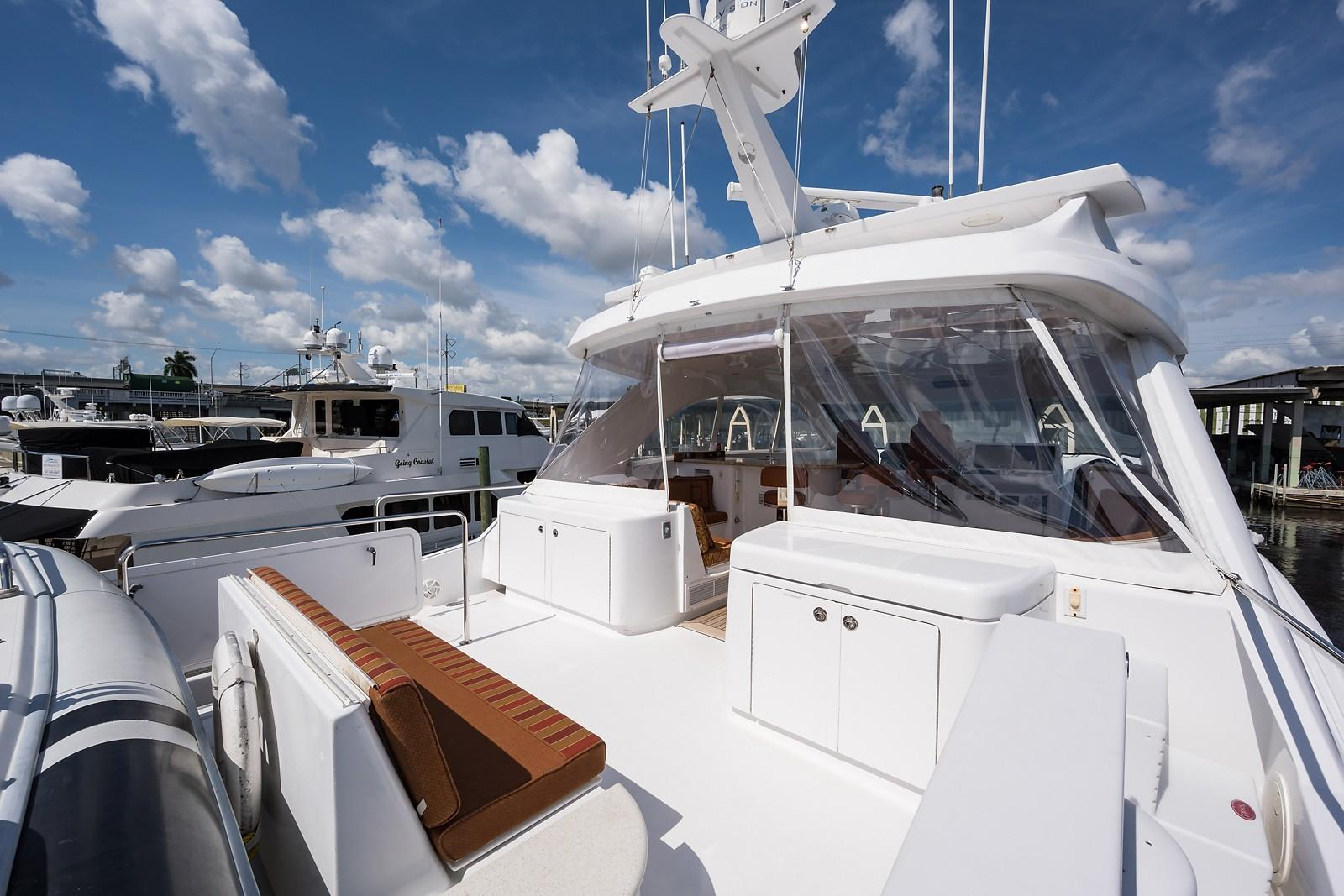 72 ft Hatteras 72 Motor Yacht Boat Deck Forward to Port