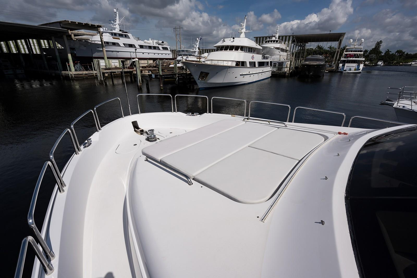 72 ft Hatteras 72 Motor Yacht Port Bow