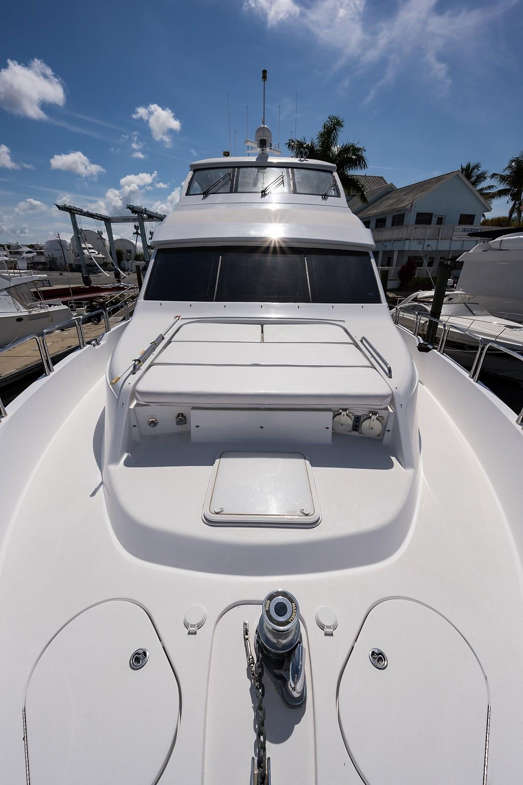 72 ft Hatteras 72 Motor Yacht Bow Aft