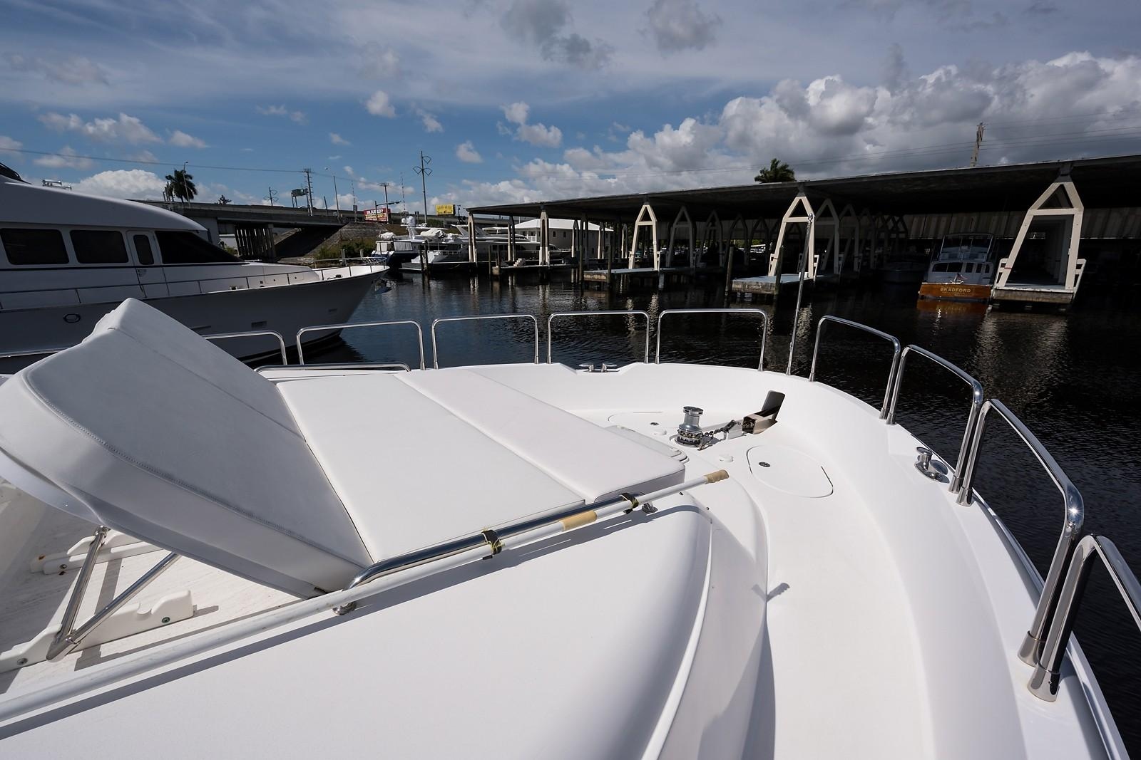 72 ft Hatteras 72 Motor Yacht Starboard Bow