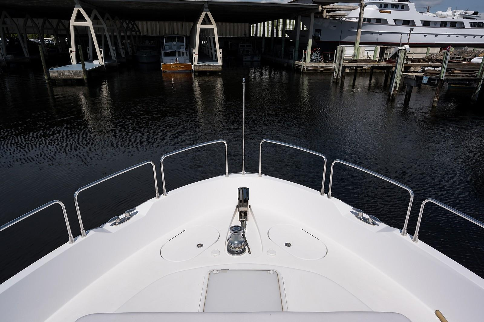 72 ft Hatteras 72 Motor Yacht Bow