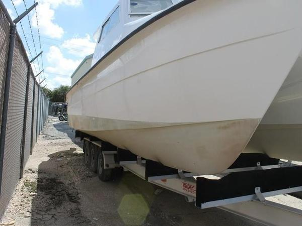 2005 Twin Vee boat for sale, model of the boat is 32 & Image # 12 of 84