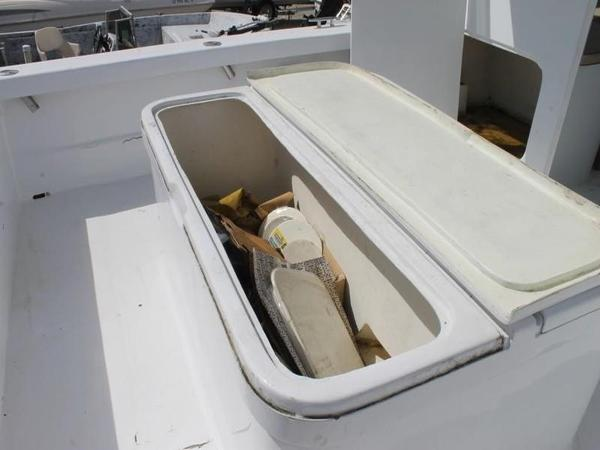 2005 Twin Vee boat for sale, model of the boat is 32 & Image # 13 of 84