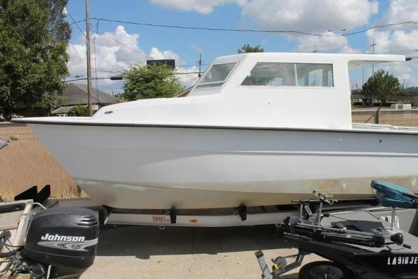 2005 Twin Vee boat for sale, model of the boat is 32 & Image # 29 of 84