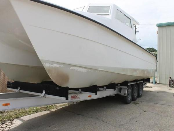 2005 Twin Vee boat for sale, model of the boat is 32 & Image # 2 of 84