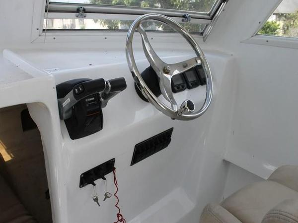2005 Twin Vee boat for sale, model of the boat is 32 & Image # 32 of 84