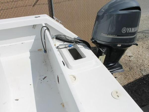 2005 Twin Vee boat for sale, model of the boat is 32 & Image # 38 of 84
