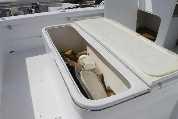 2005 Twin Vee boat for sale, model of the boat is 32 & Image # 42 of 84
