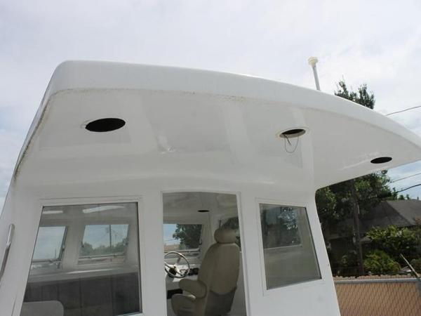 2005 Twin Vee boat for sale, model of the boat is 32 & Image # 55 of 84