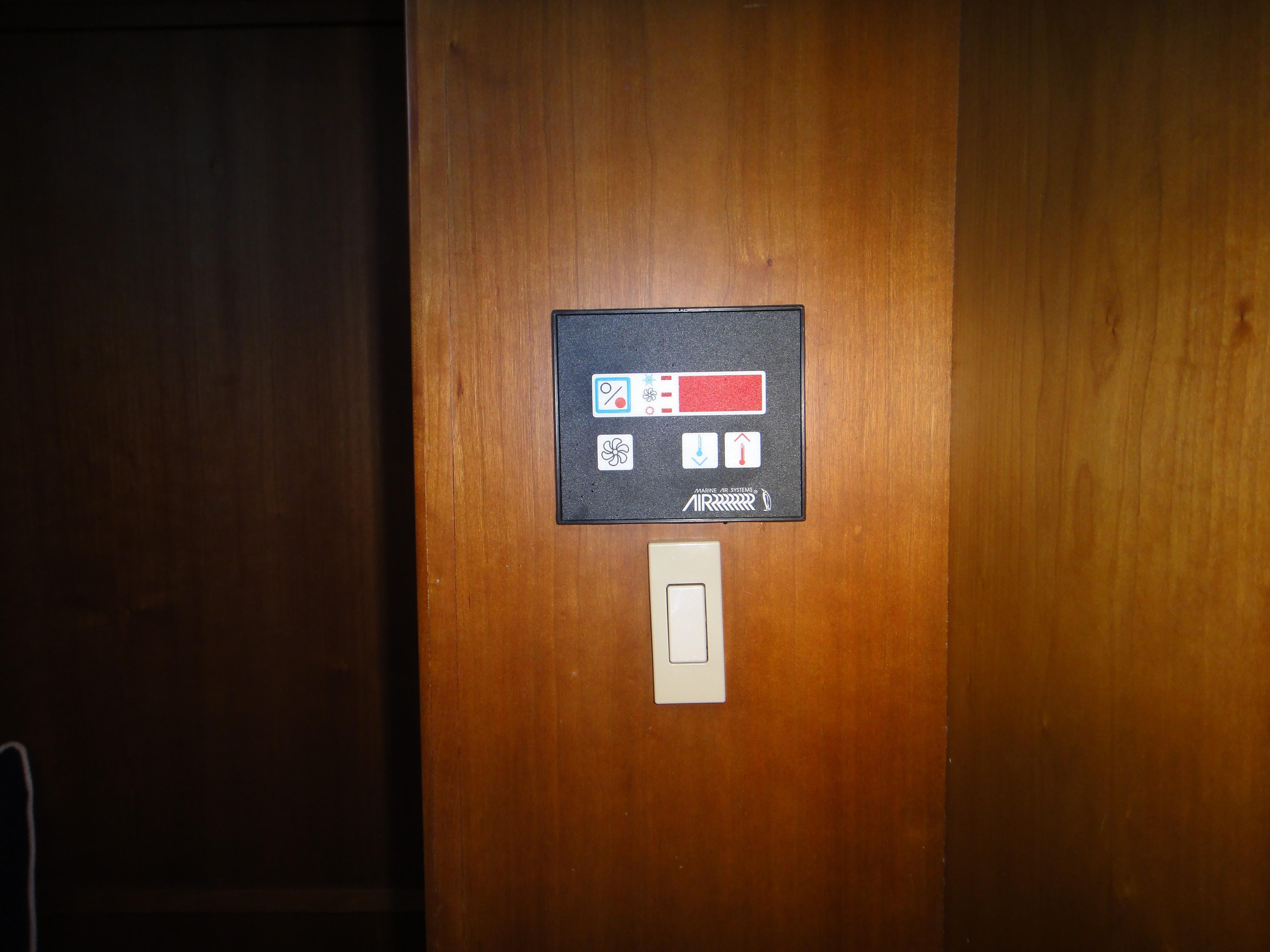 42 ft Sabre 42 FB AC-Heat Controls