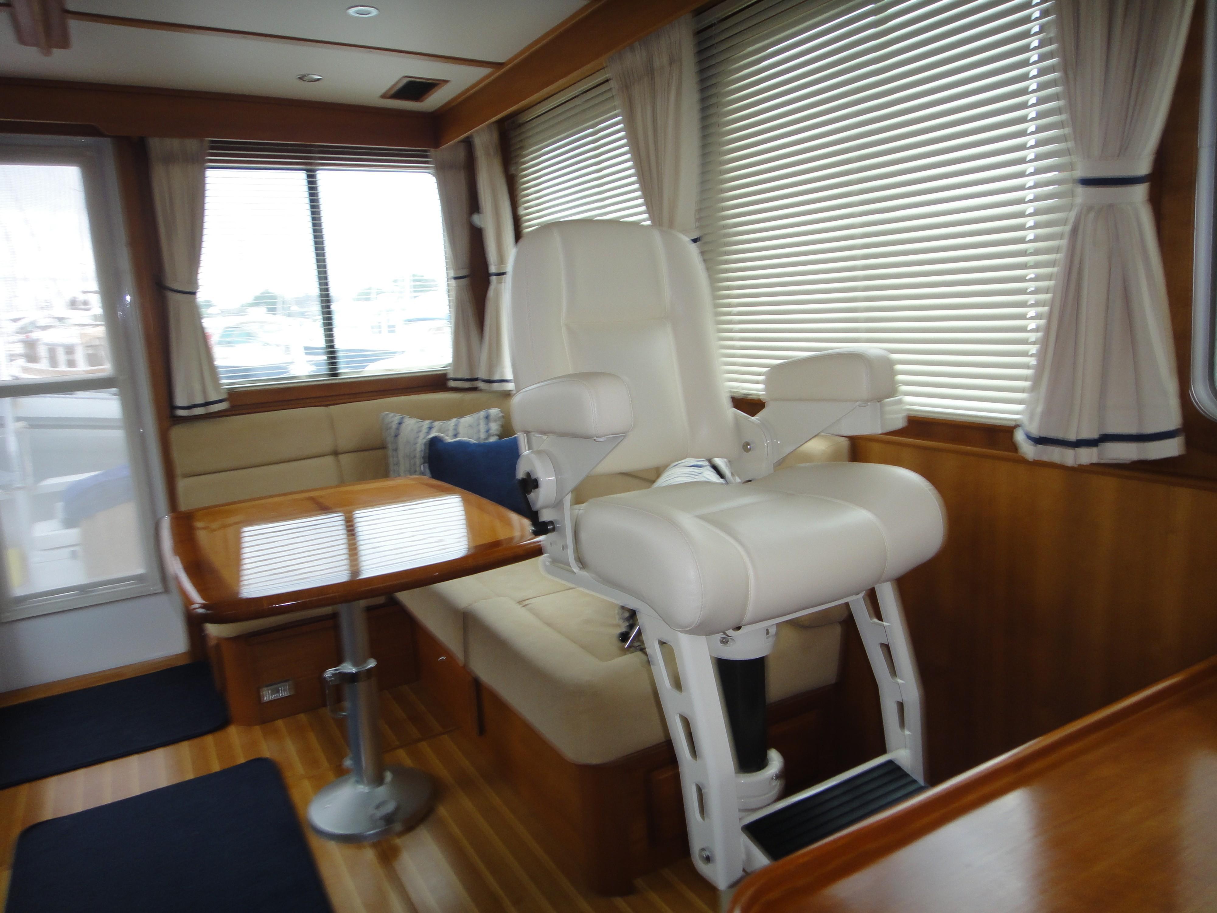 42 ft Sabre 42 FB Companion Seat