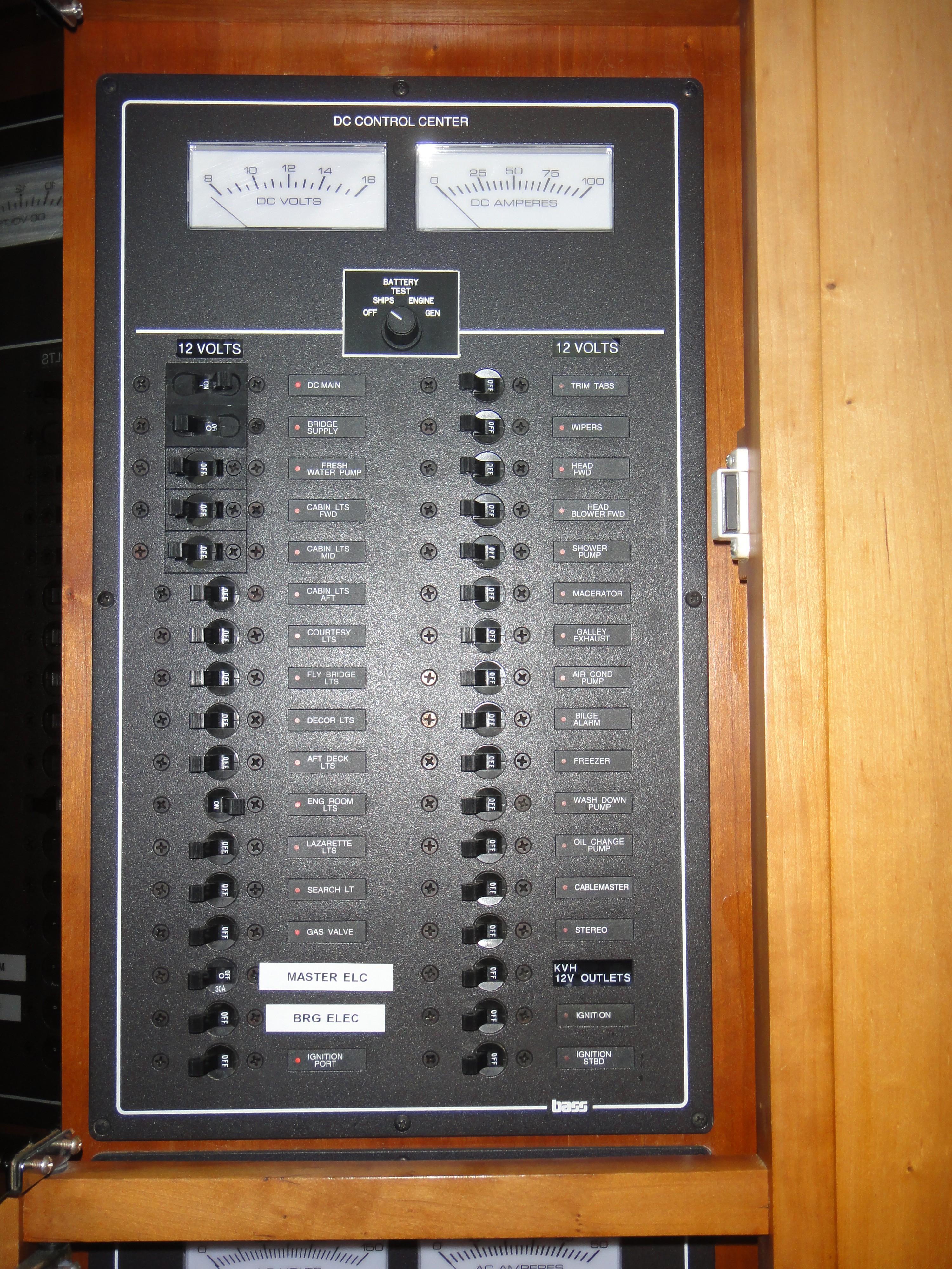 42 ft Sabre 42 FB DC Electrical Panel