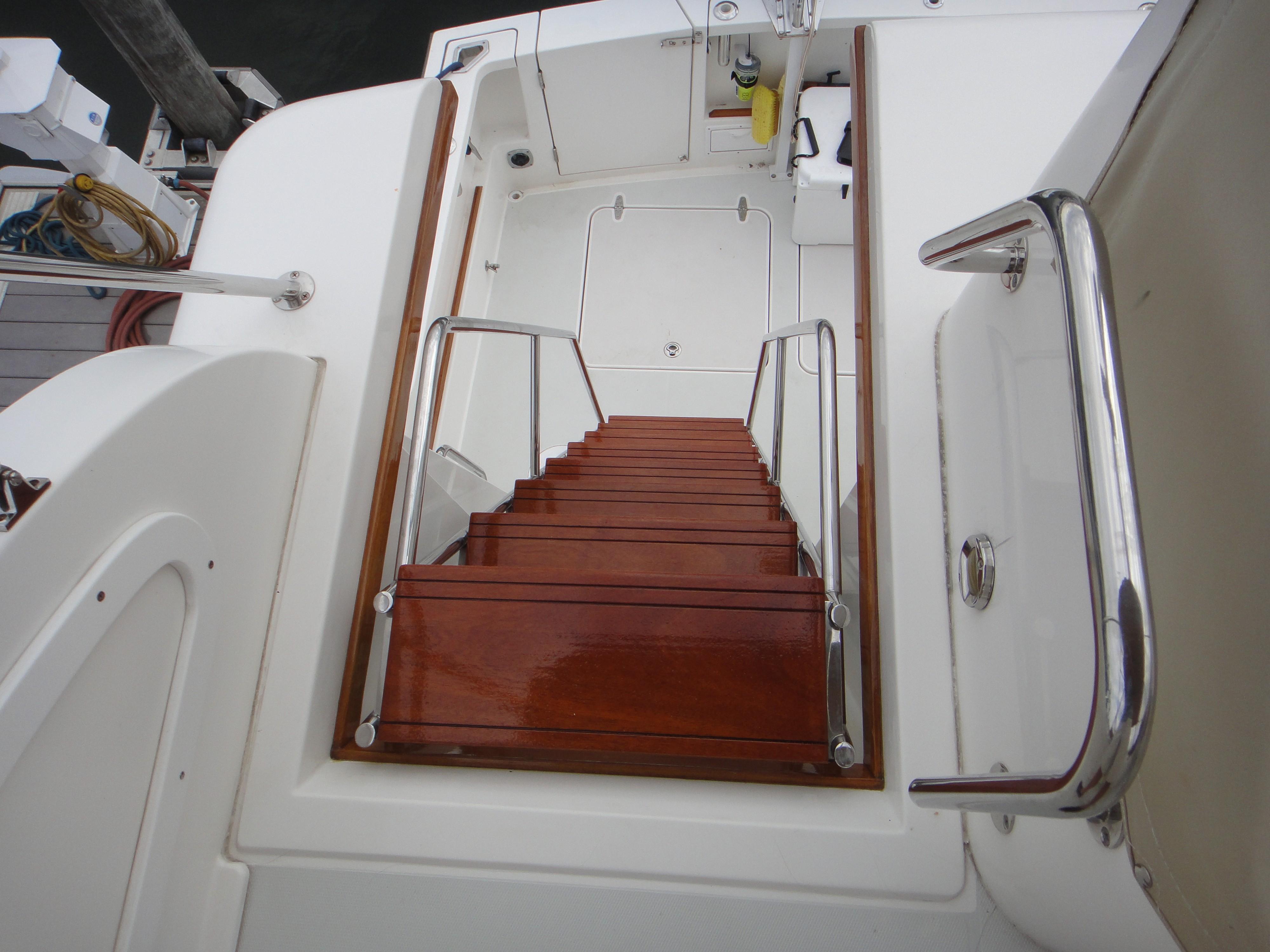 42 ft Sabre 42 FB New Mahogany Stairs to Bridge