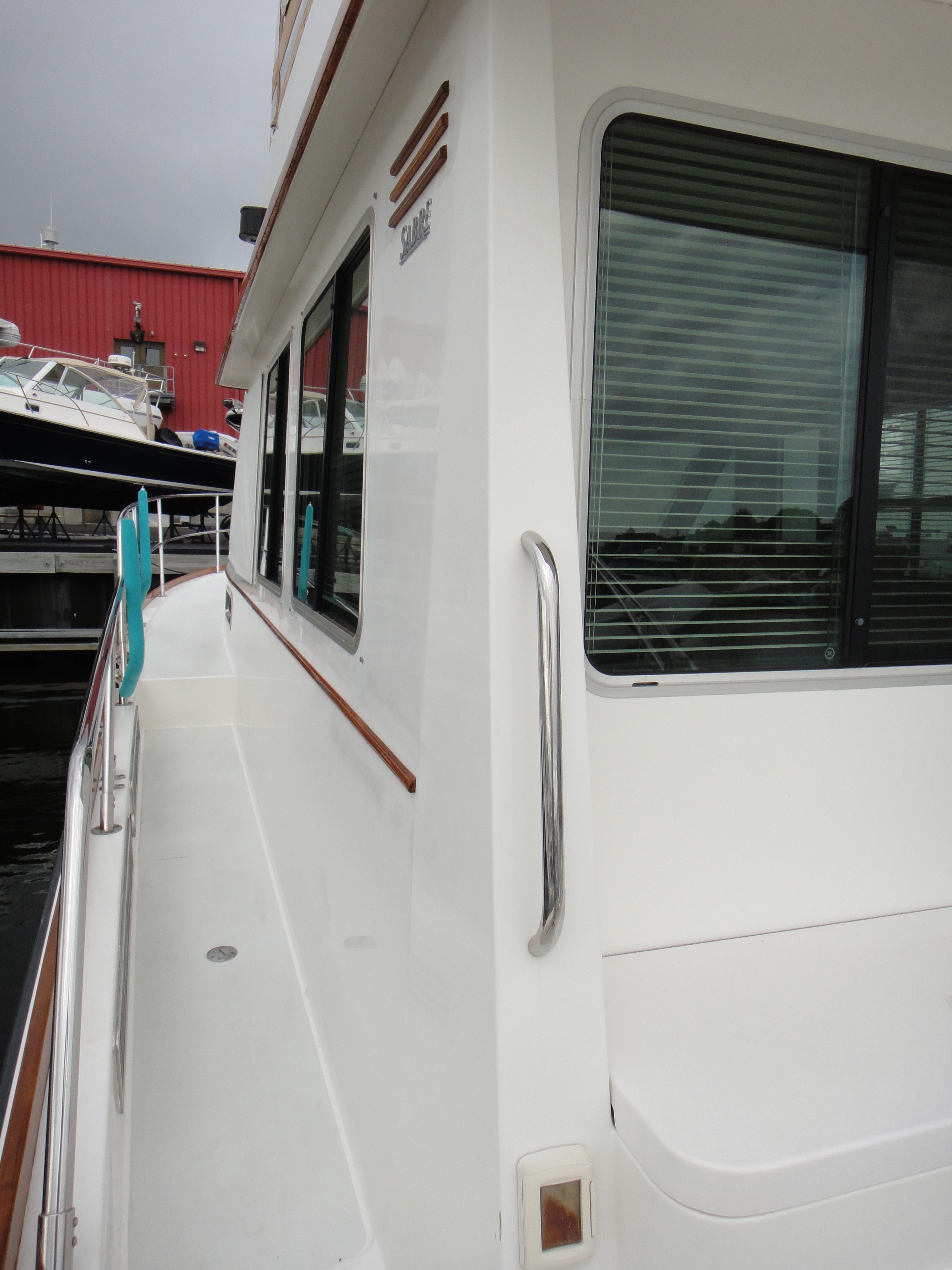 42 ft Sabre 42 FB Port Side Deck