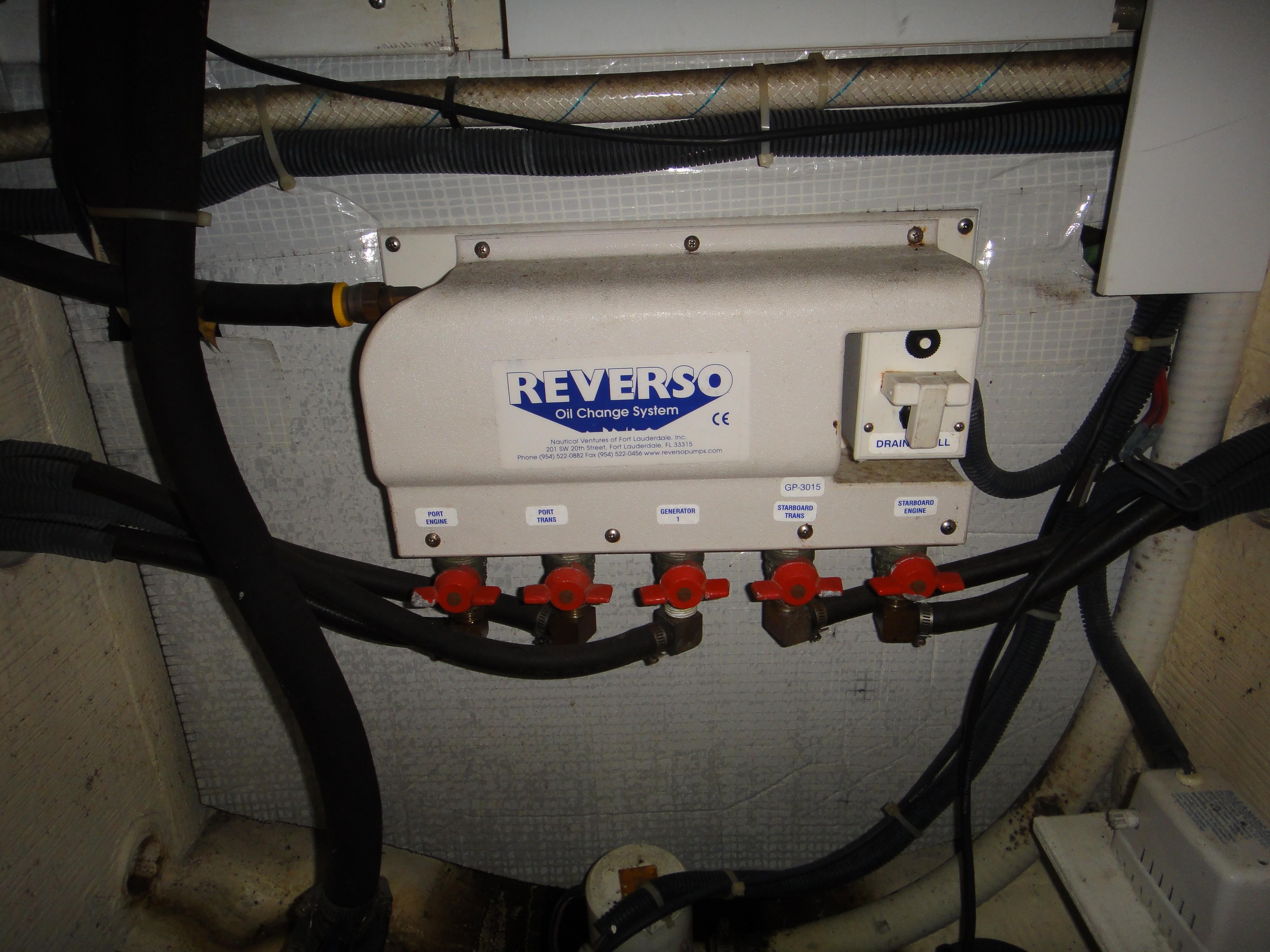 42 ft Sabre 42 FB Reverso Oil Change System