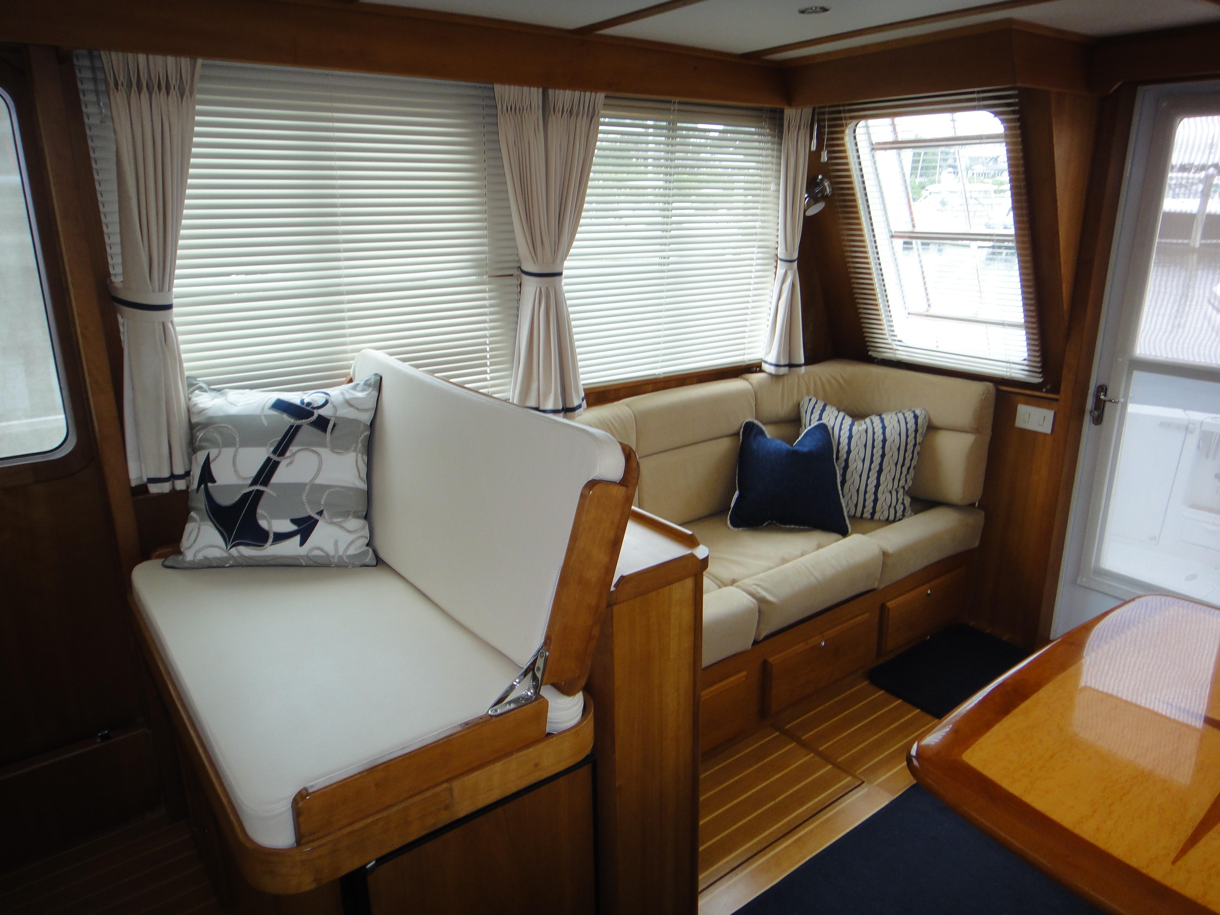42 ft Sabre 42 FB Salon, starboard aft