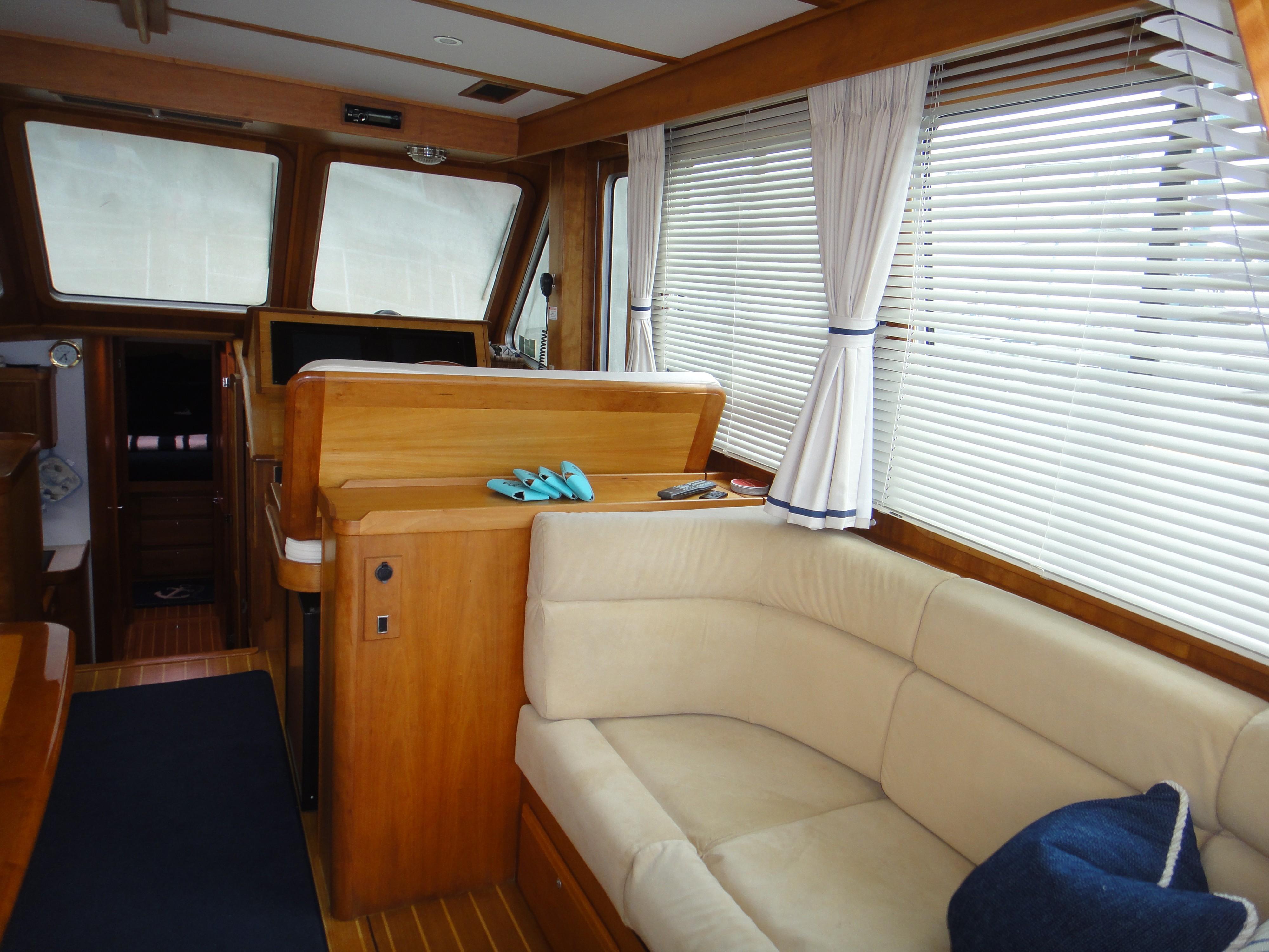 42 ft Sabre 42 FB Salon, starboard forward