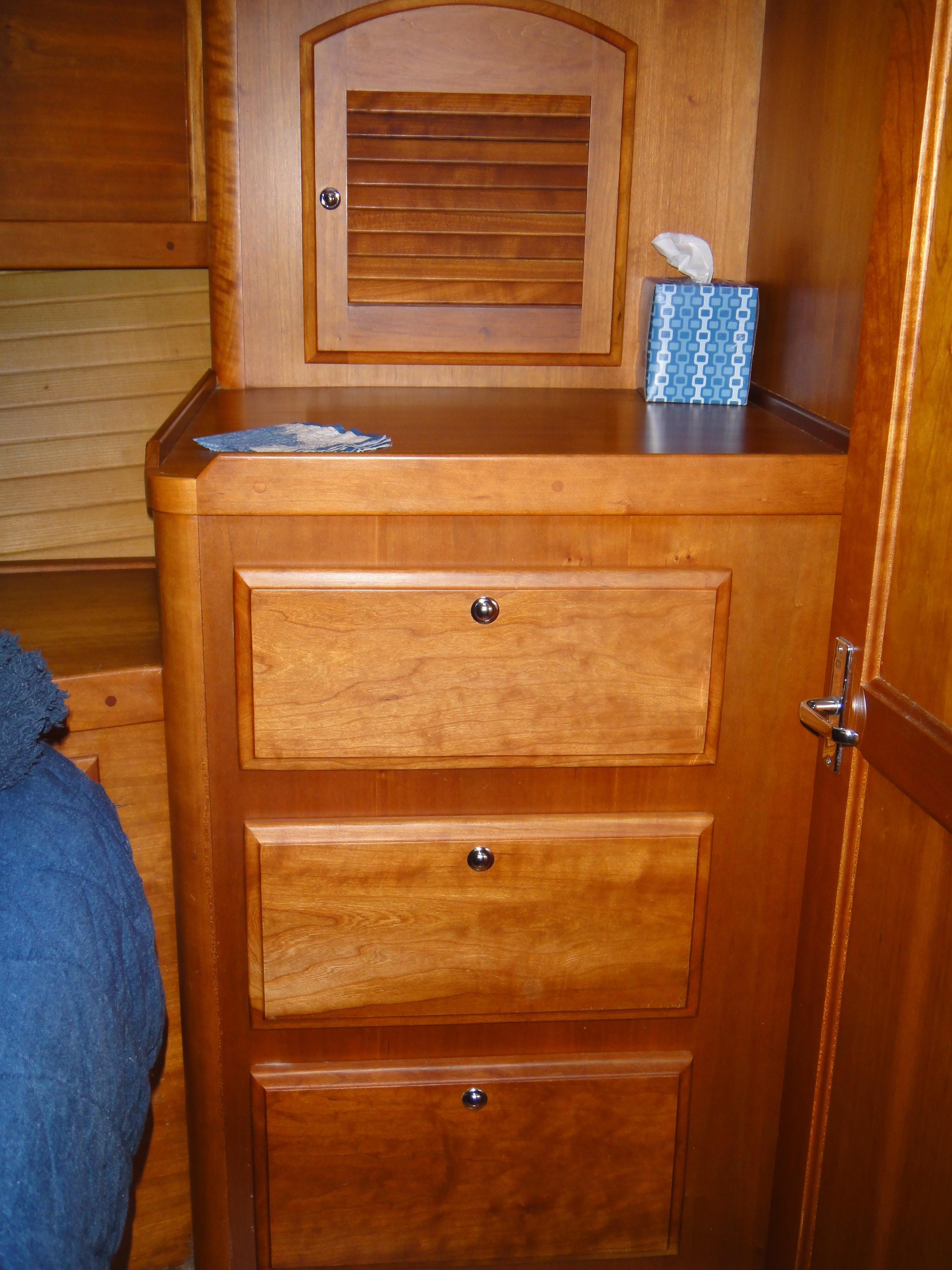 42 ft Sabre 42 FB Master Dresser