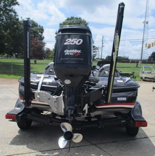 2011 Nitro boat for sale, model of the boat is Z8 & Image # 4 of 7