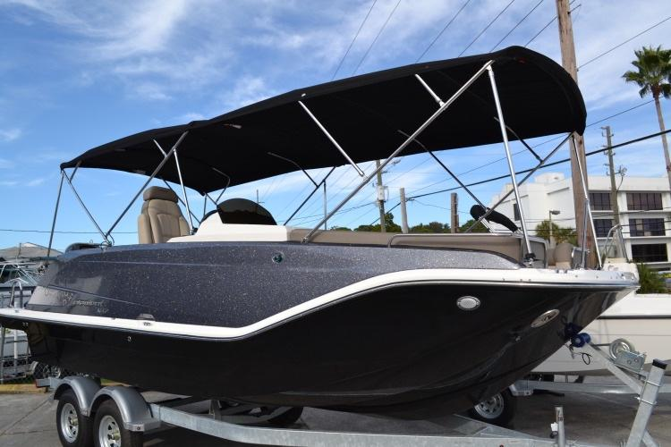 26' Bayliner 2016 Element XR7