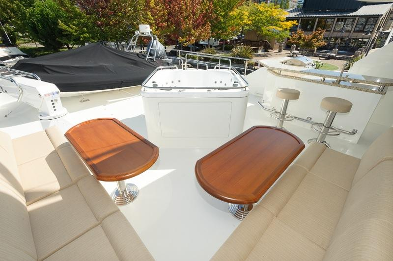 Boat Deck Seating and Jaccuzzi