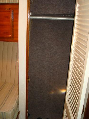 Guest Hanging Locker