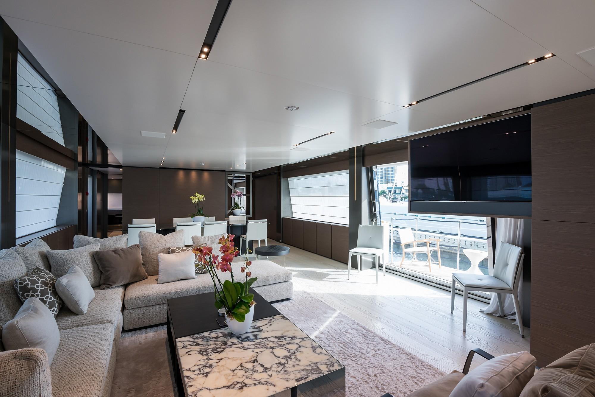 2018 Custom Line Navetta 33 M - Lower Salon