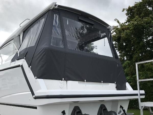 Sealine C330 - Canopy