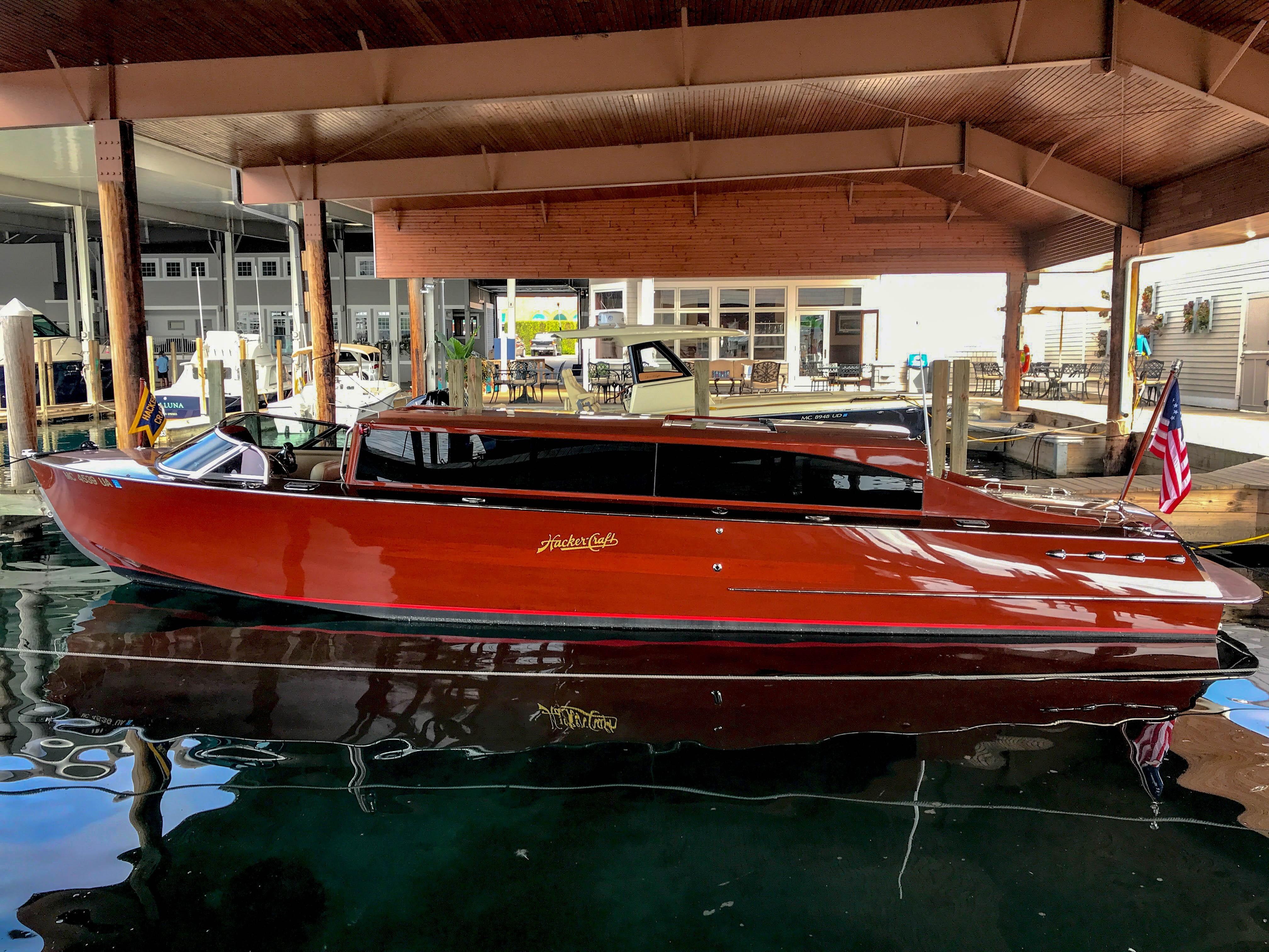 33 Hacker Craft 2015 Northern Michigan Denison Yacht Sales
