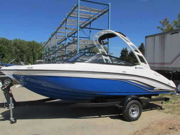 2020 Yamaha boat for sale, model of the boat is AR190 & Image # 1 of 31