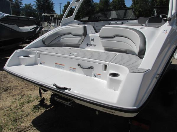 2020 Yamaha boat for sale, model of the boat is AR190 & Image # 4 of 31
