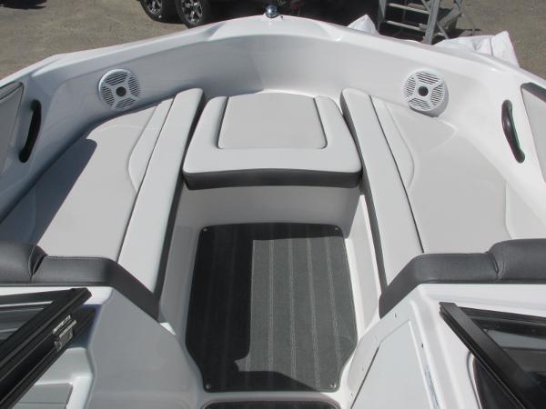 2020 Yamaha boat for sale, model of the boat is AR190 & Image # 7 of 31