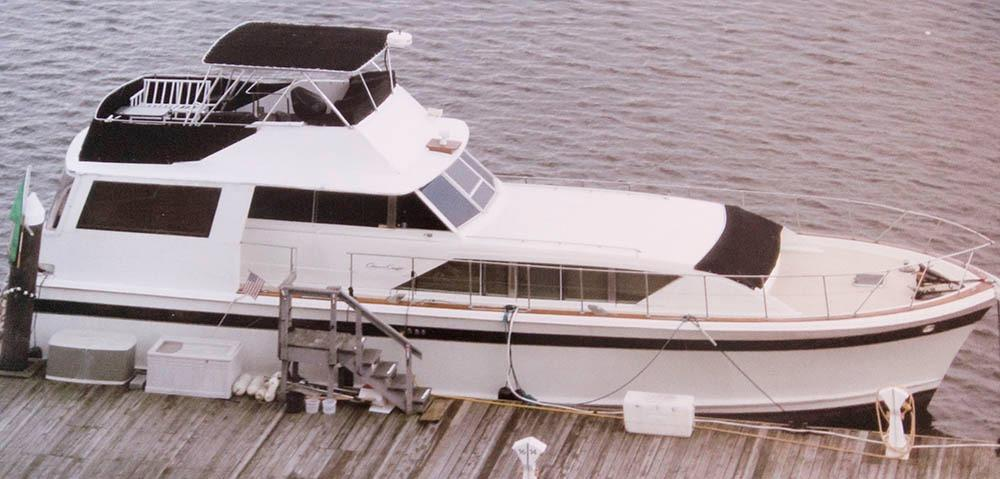 Chris-Craft 55 Commander Flushdeck Motoryacht
