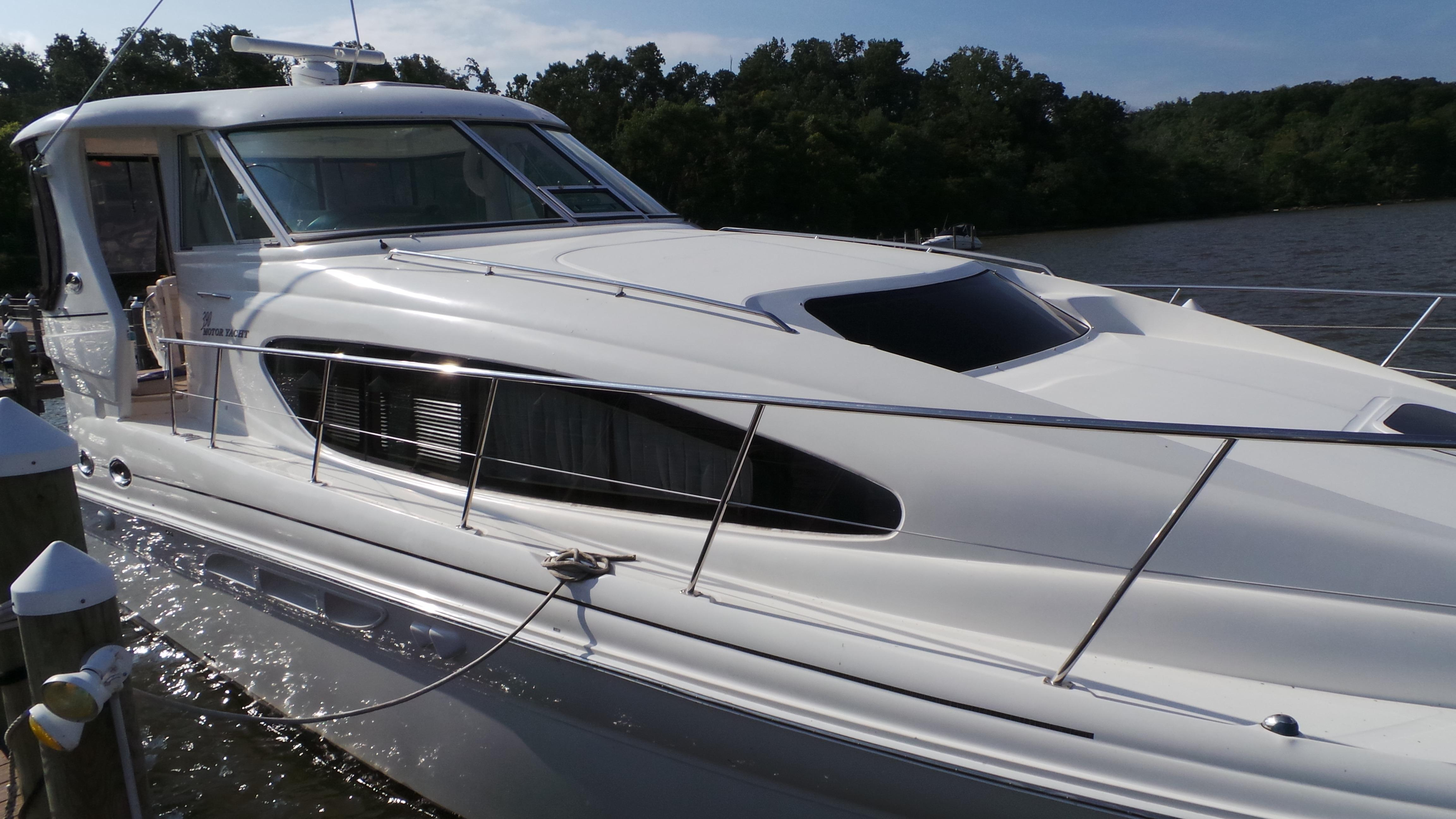 2005 sea ray 390 motor yacht for sale for Sea ray motor yacht for sale