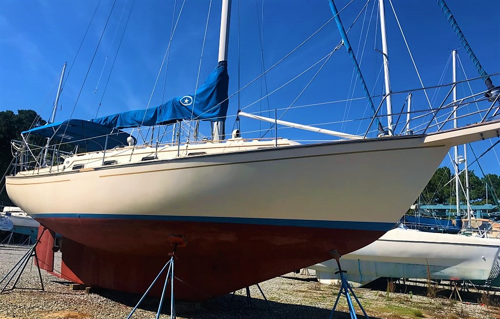 1989 Island Packet 35 – Deltaville Yachting Center and
